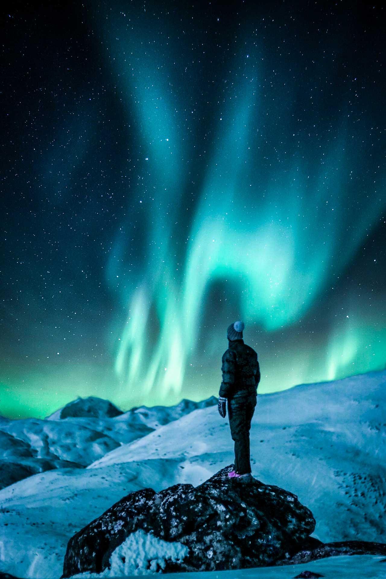 foto di Tobias Bjørkli da <a href='https://www.pexels.com/it-it/foto/alba-astrologia-astronomia-atmosfera-1853354/' target='_blank'>Pexels</a>