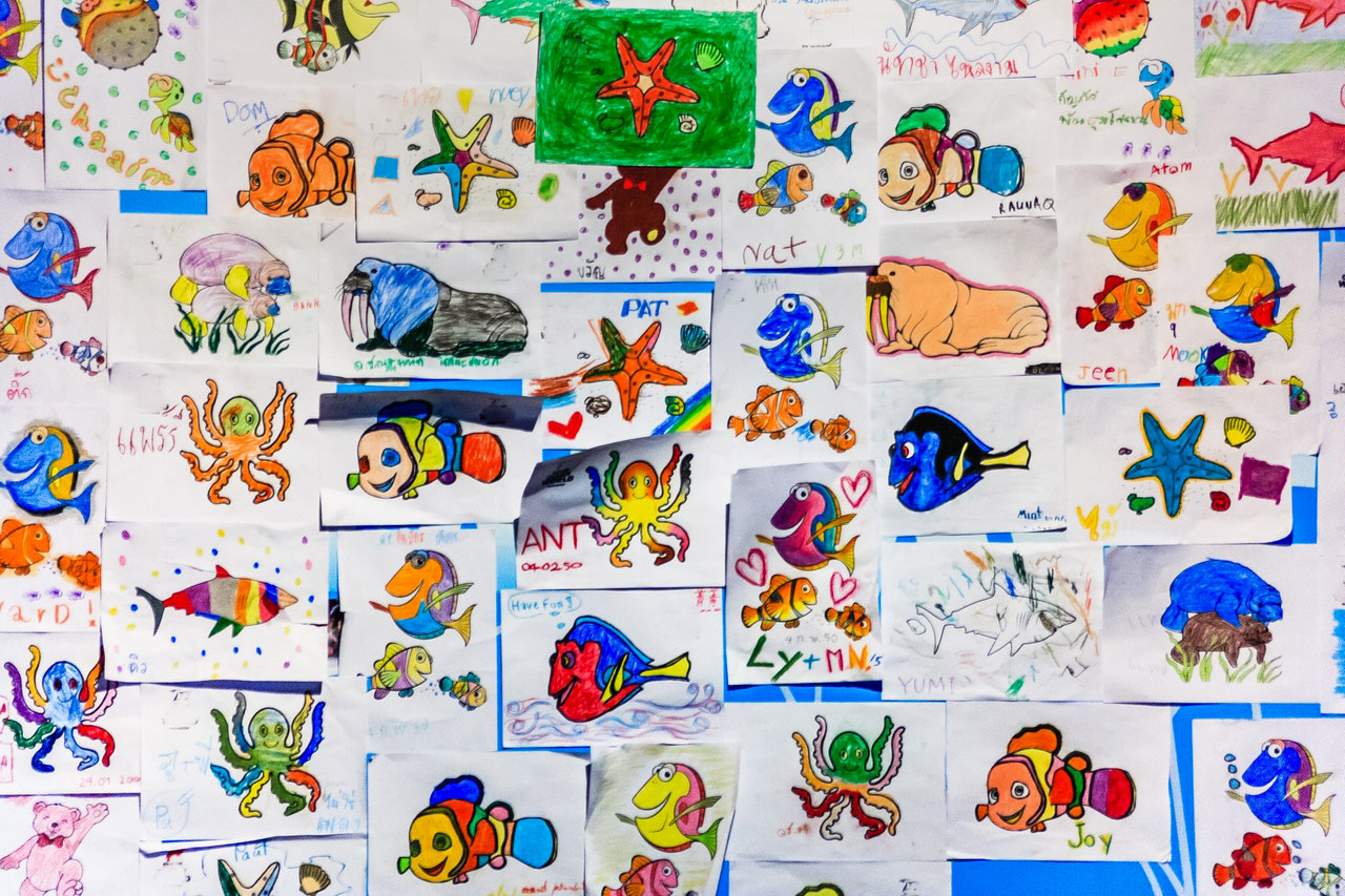 foto di Gravitylicious.com da <a href='https://www.pexels.com/it-it/foto/arte-bambini-carta-cartone-animato-998067/' target='_blank'>Pexels</a>